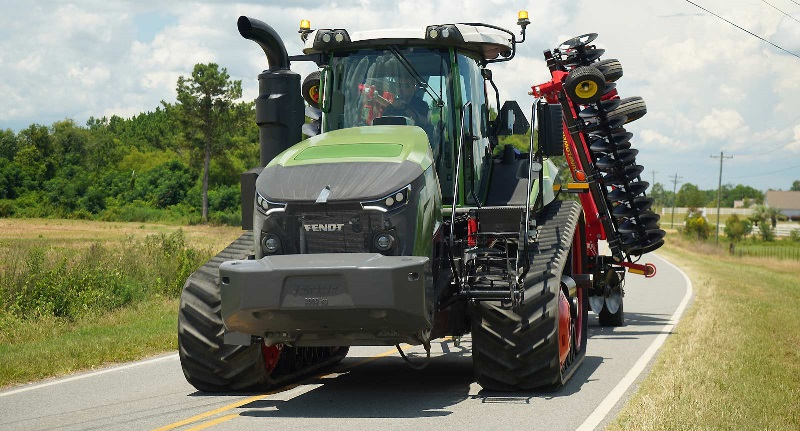A Fendt tractor.