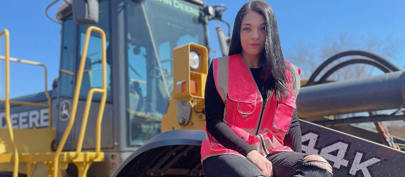 At just 23 years old, MMI grad Liana Acevedo landed a job as service manager at Peak Equipment in South Plainfield, New Jersey.