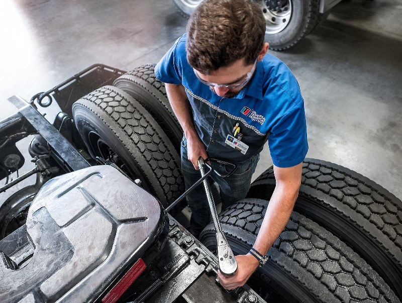 Diesel student works on a vehicle in a UTI lab.