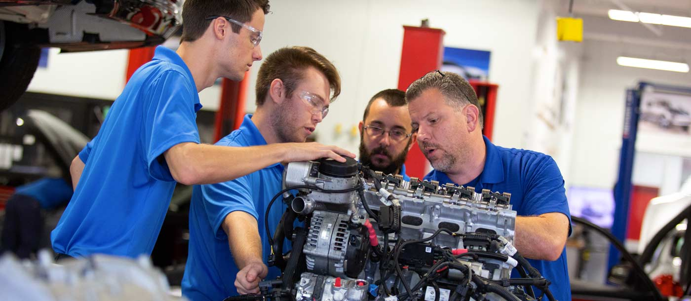 An image of students and an instructor at UTI Orlando in Florida