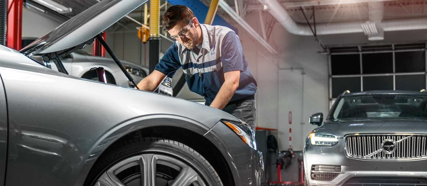 An image of a UTI student who is a part of the Volvo Manufacturer Specific Advanced Training program