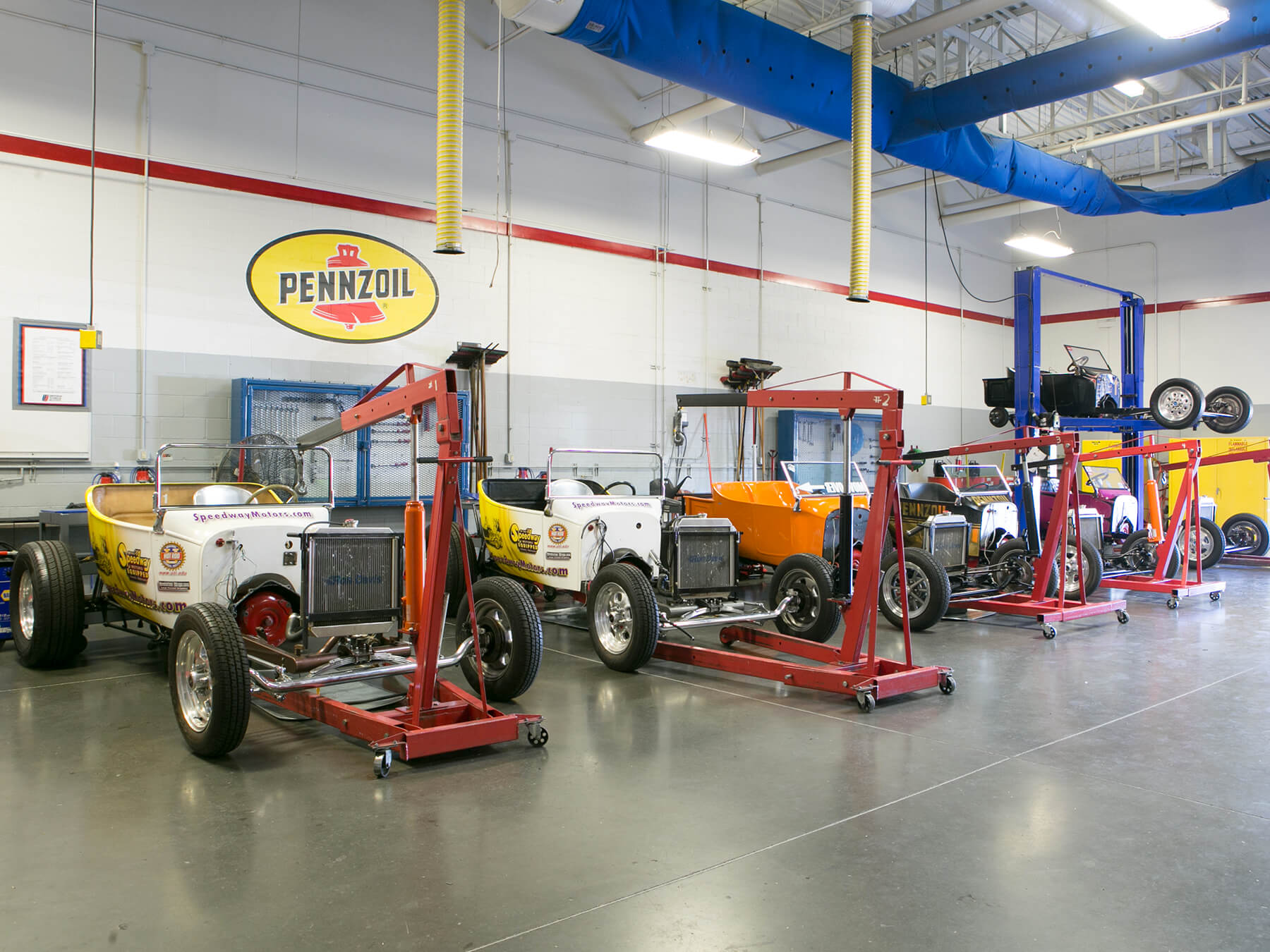 T-bucket hot rods in Power Performance lab at Avondale Campus