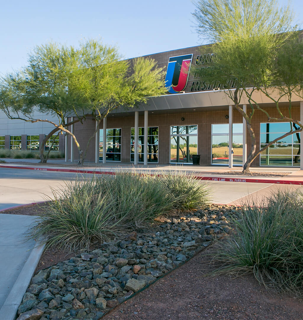 Exterior photo of UTI campus in Avondale Arizona