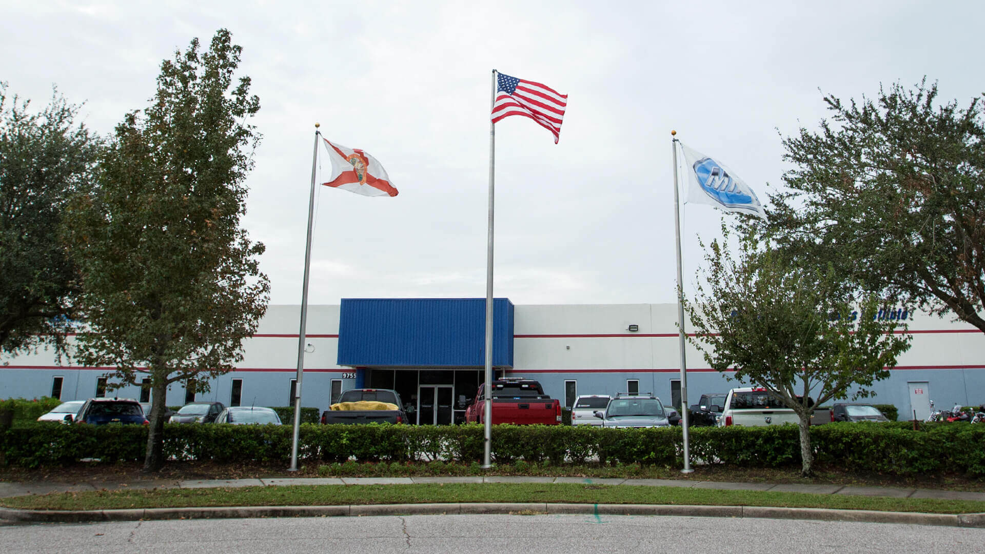 Exterior photo of the Orlando-Marine campus