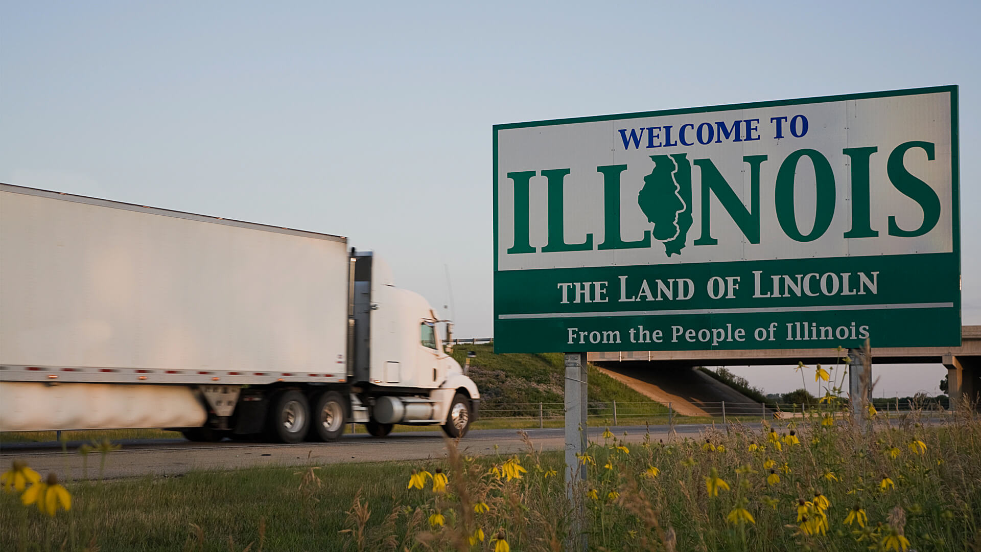 ILLINOIS State Line on the Highway