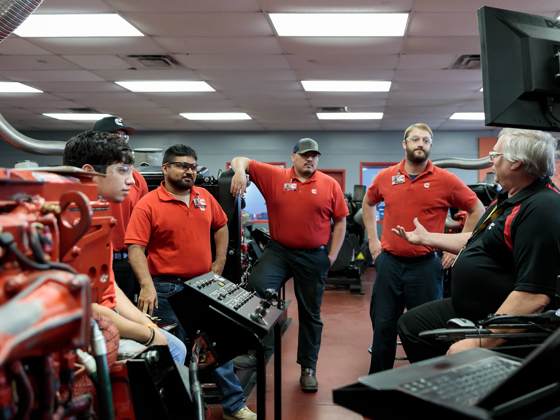 Students looking at the instructor in the Cummins lab at the Houston campus