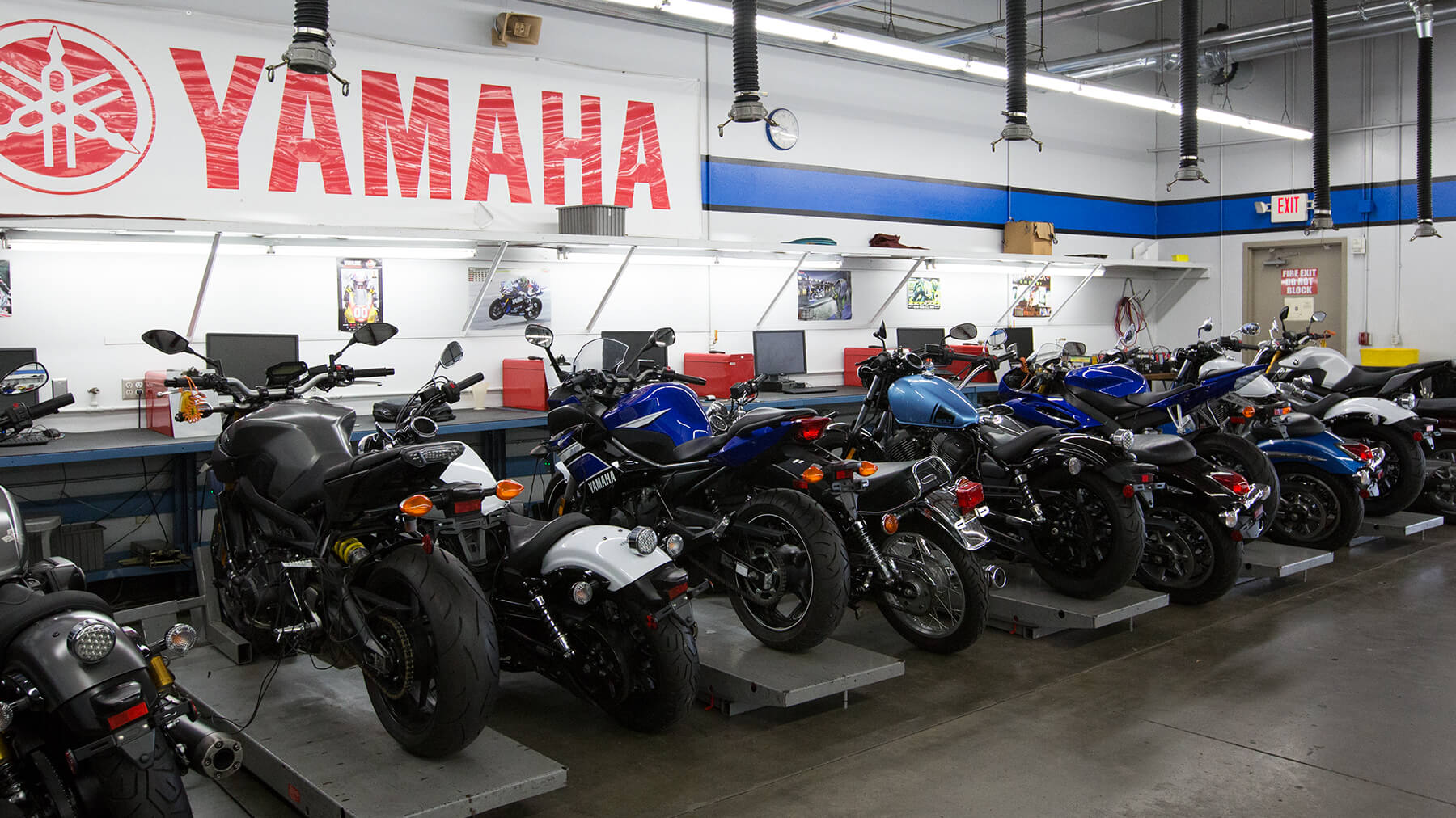 Motorcycle_Gallery_Yamaha_0R1A7533