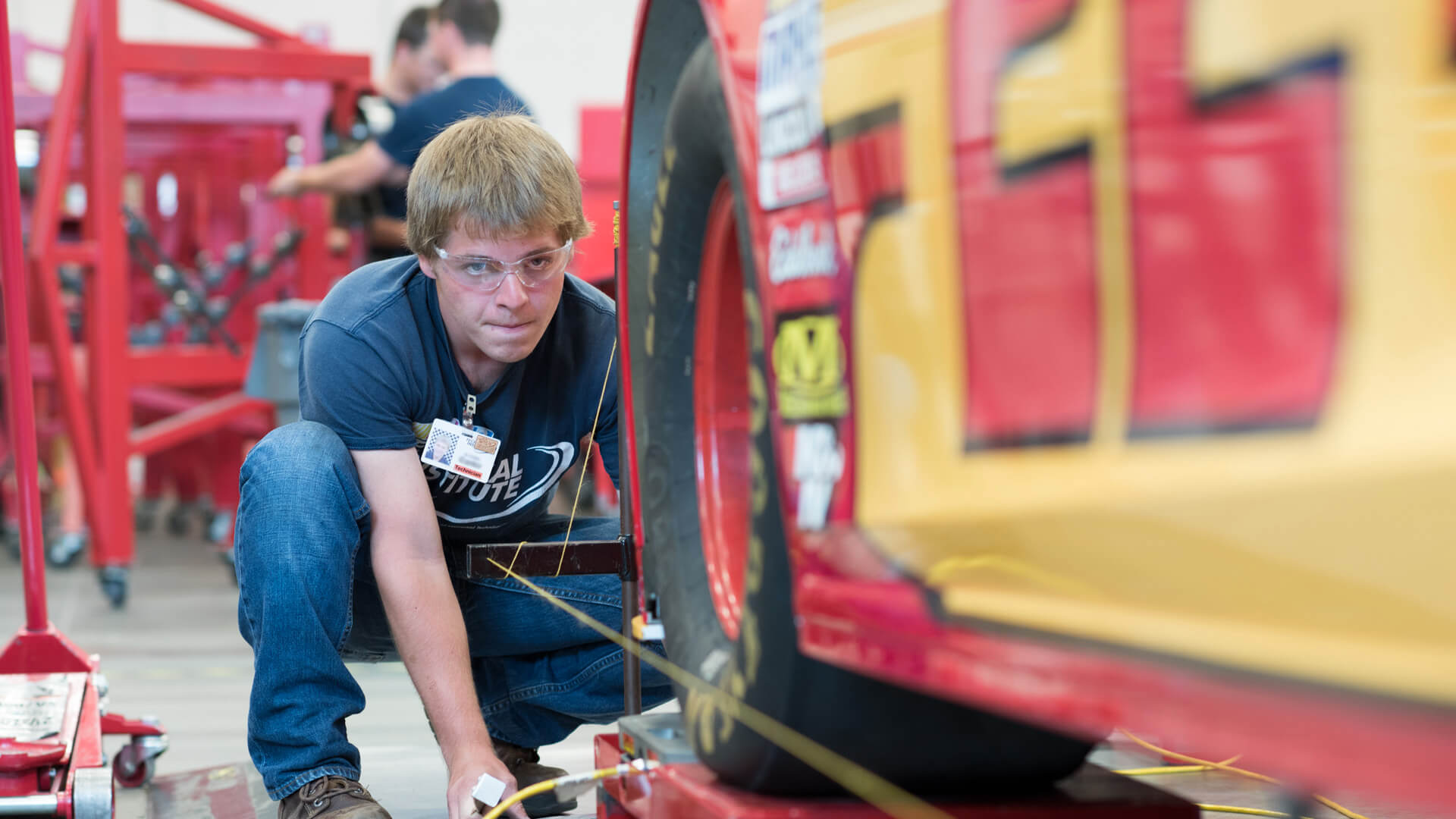 specialized-training_hero_mooresville_nascar-student