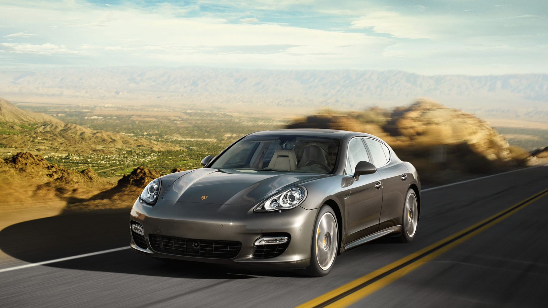 specialized-training_porsche_panamera_mediaslider